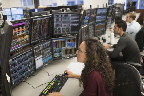 How to Become a Stockbroker? Stockbroker : Who and What It Is?