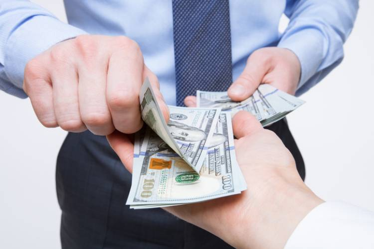 Why You Should Not Pay Your Employees in Cash